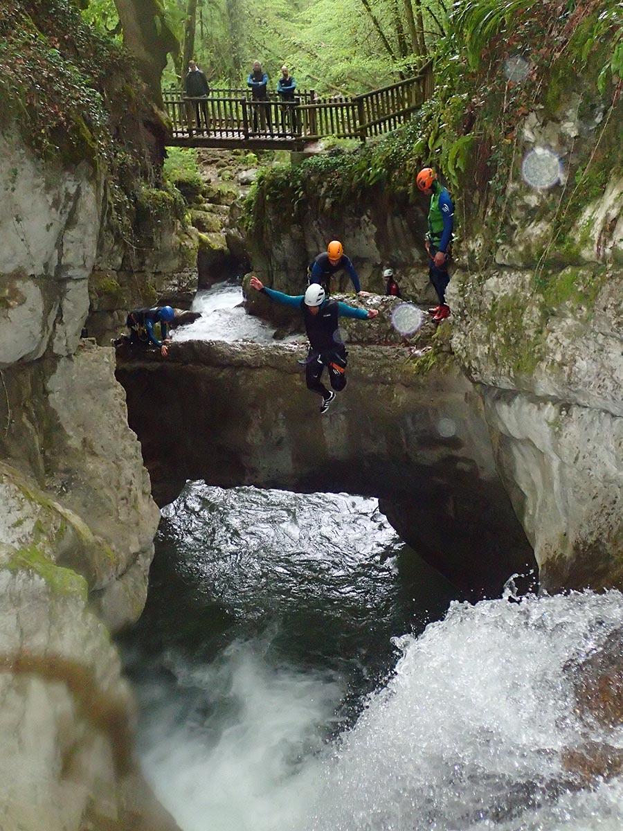 canyoning dans les Bauges, proche de chambéry et Grenoble