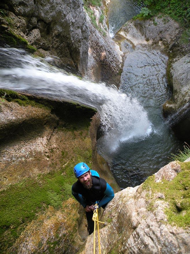 première cascade dans le canyon de l'Alloix en Chartreuse