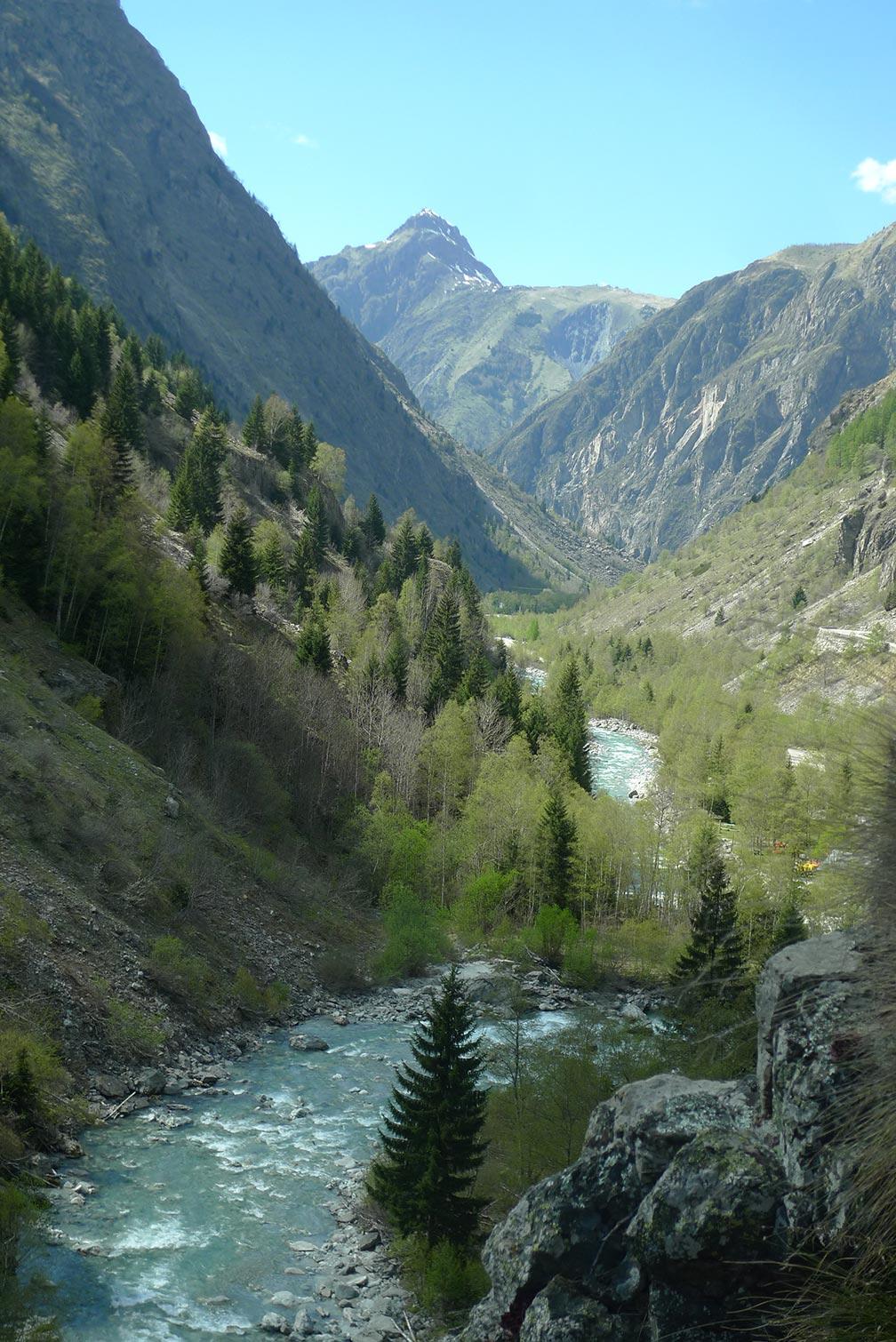 le ruisseau sous la via ferrata de St Christophe en oisans