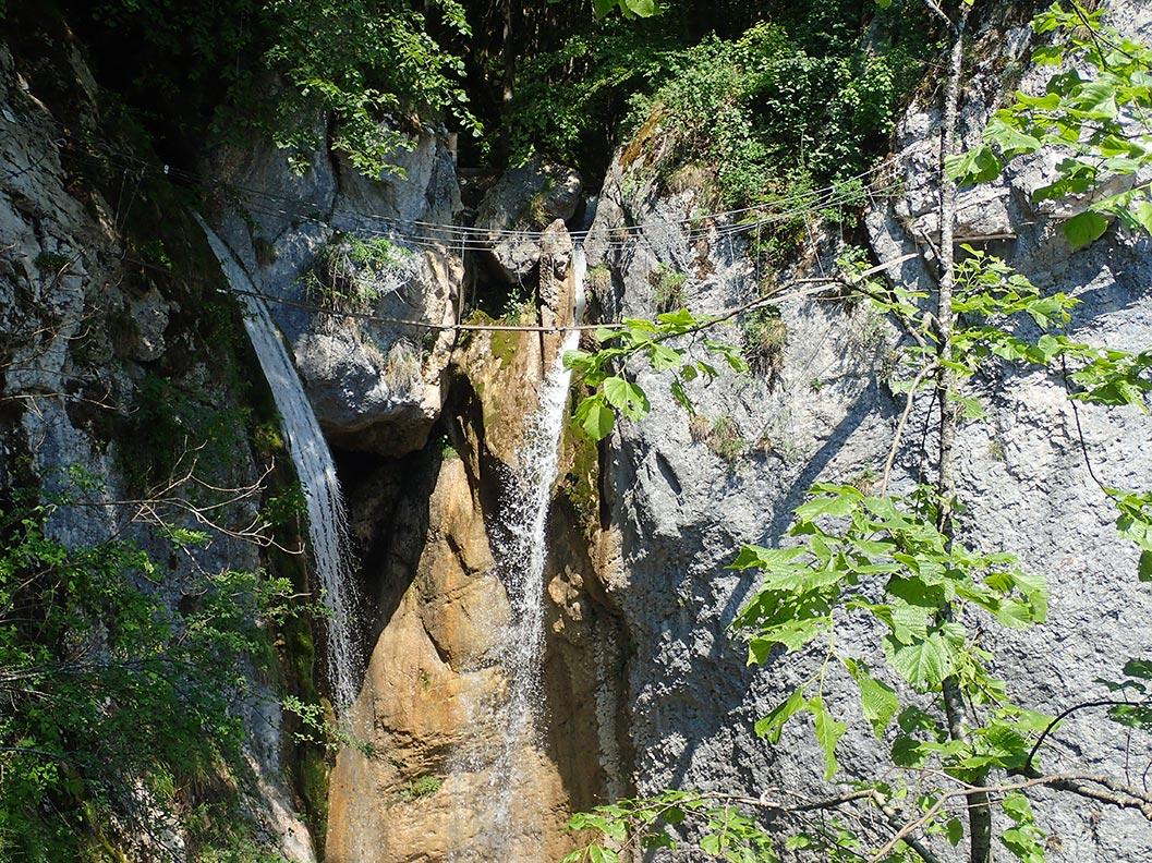 les belles cascades du canyon de l'Alloix et via ferrata en chartreuse