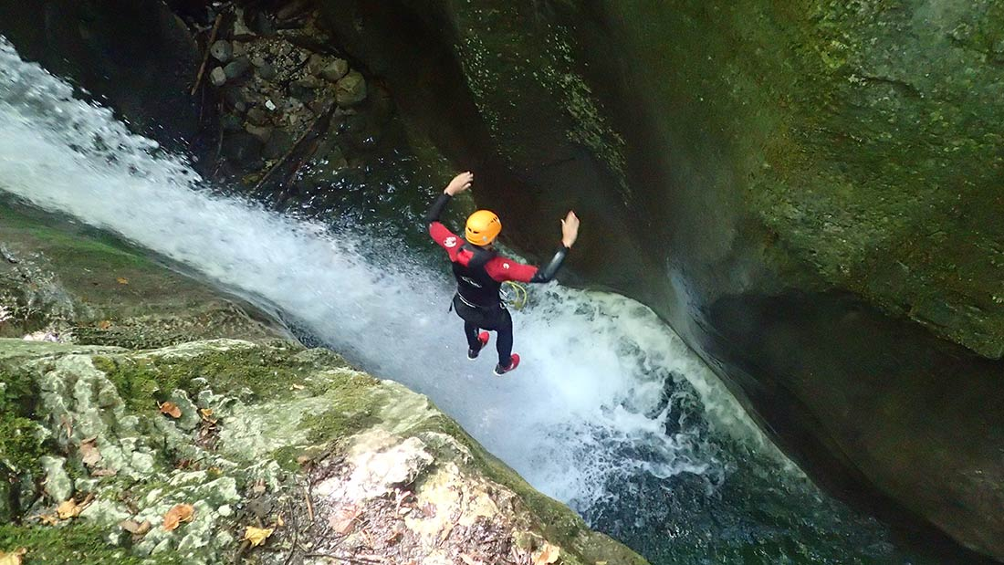 le premier saut du canyon du Furon