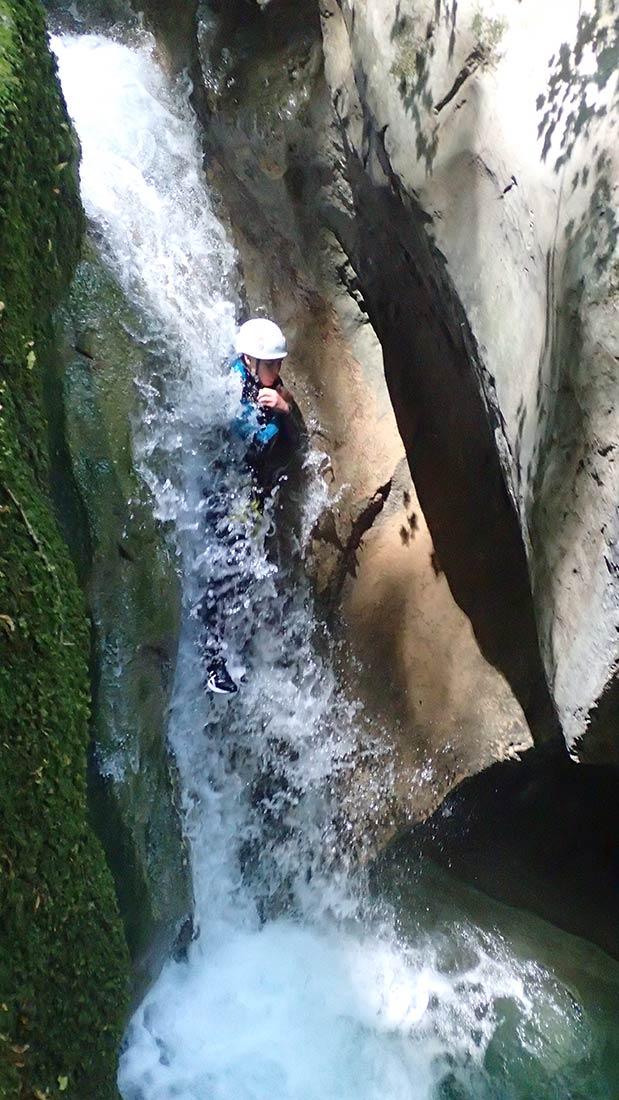 en canyoning on fait des toboggans - vertico