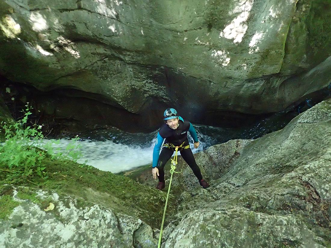 descente rappel dans le canyon du furon Vercors