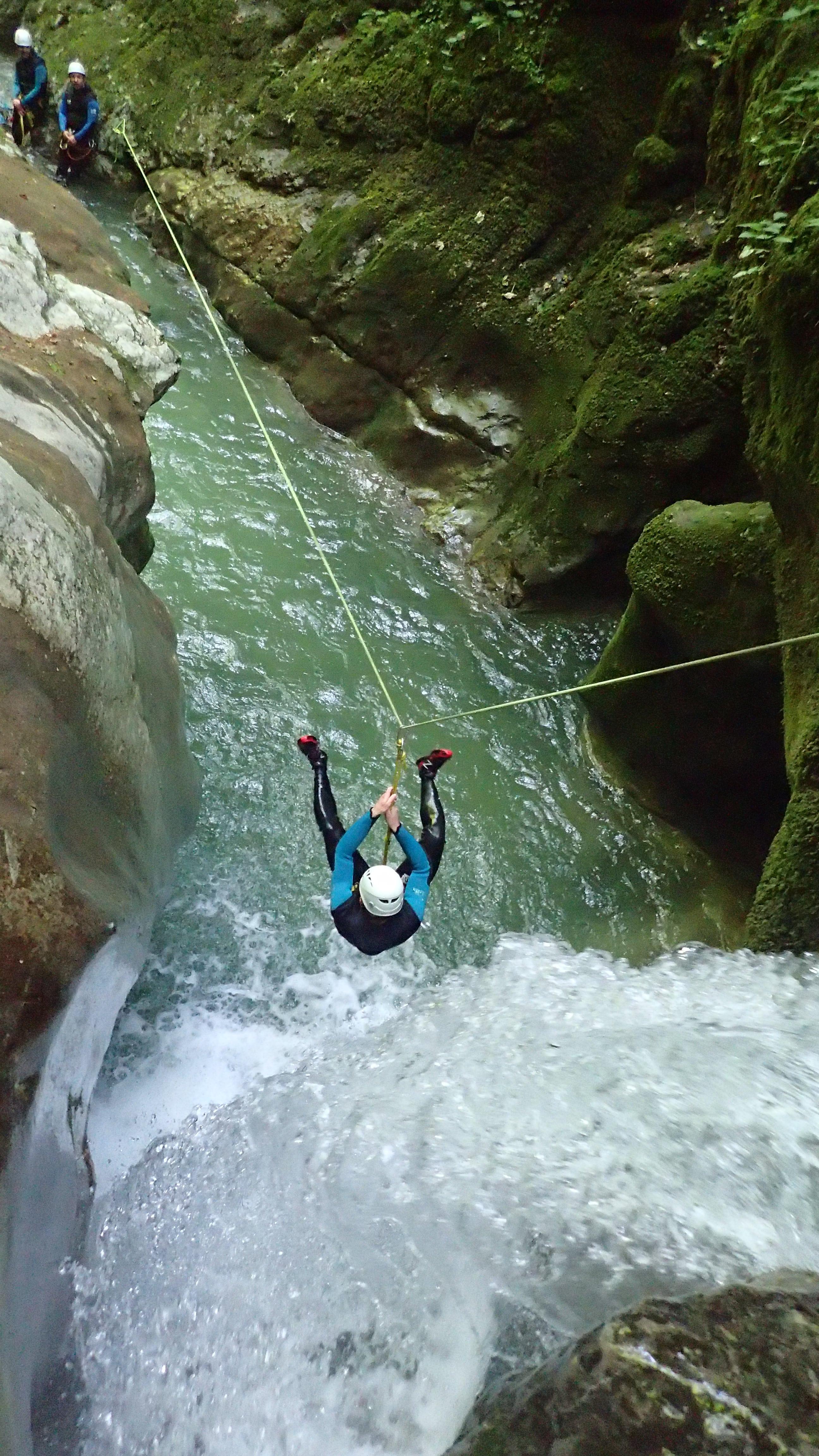 tyrolienne dans le canyon du furon haut avec VERTIC'O
