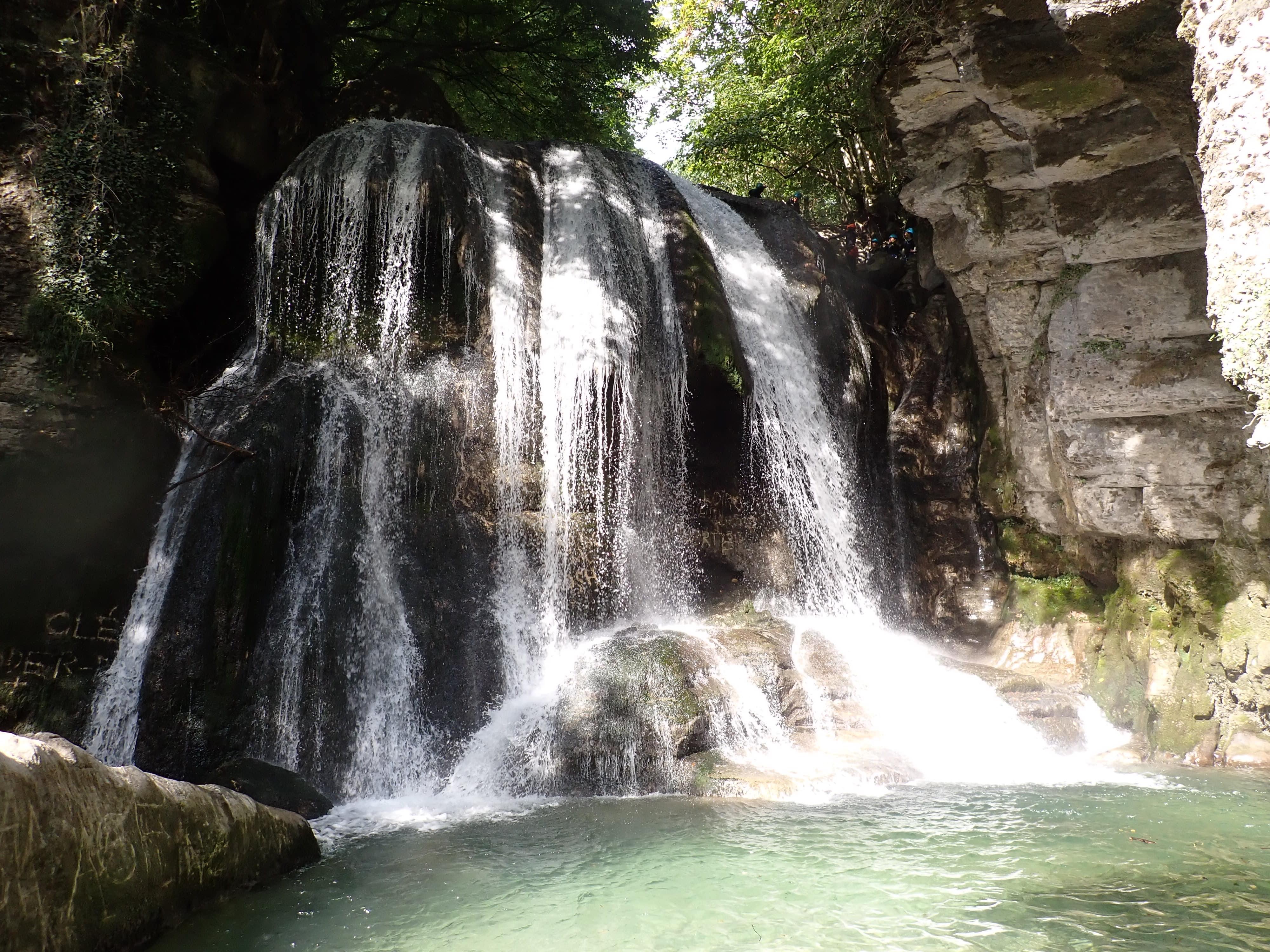 cascade de tuf dans le canyon du Furon bas à Grenoble