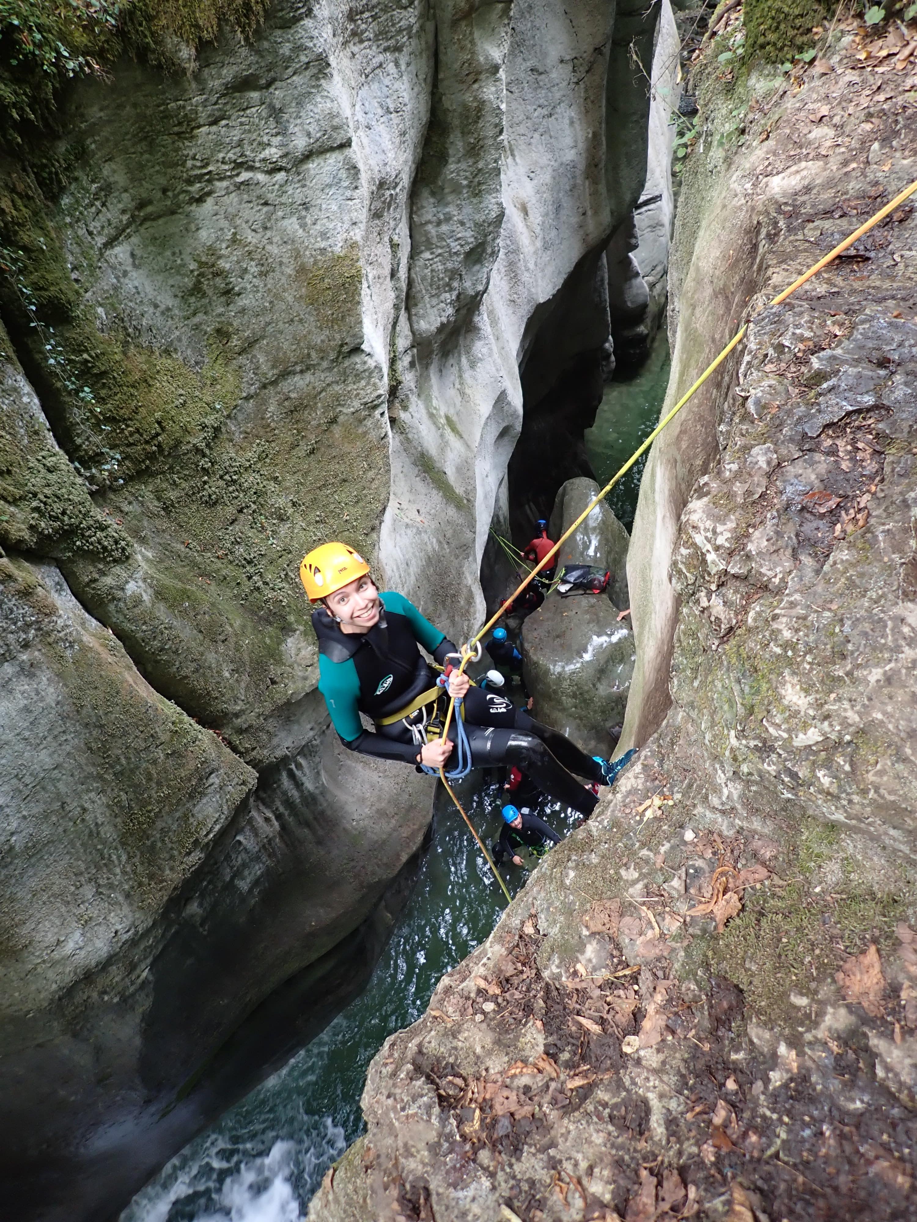 rappel d'entrée dan sle canyon du Furon, massif du Vercors